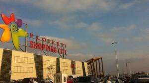 Pe 1 Martie se impleteste un martisor gigant @ Ploiesti Shopping City