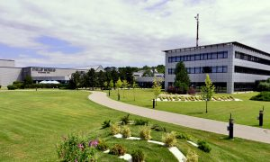 Jumătate de miliard de euro la Otopeni pentru o nouă fabrică Philip Morris