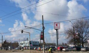 Kaufland: Târg lângă autogara Rahova