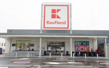 Angajații Kaufland România primesc bani în plus