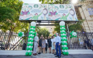 Starbucks a deschis o cafenea Piața Romană